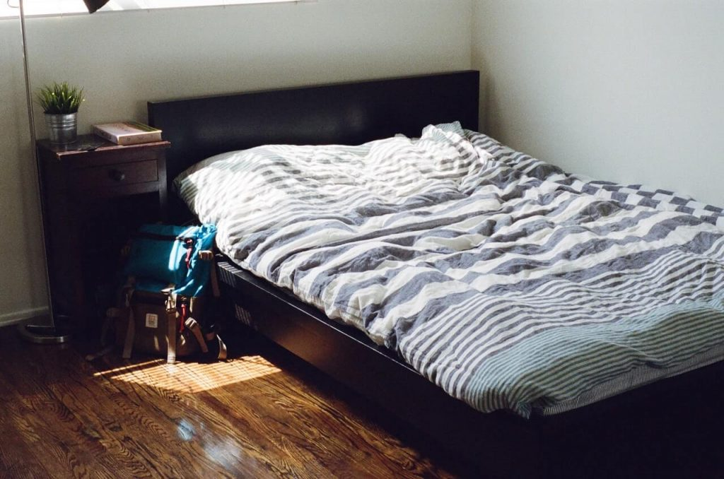 sirt agirisi yatak secimi 1024x678 - Sırt ağrısı nasıl geçer?